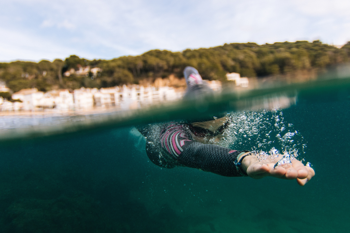 miriam-garcia-swimming-openwater-in-orca-3.8-wetsuit_5704b343084ab